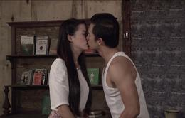 Phim Thảm đỏ - Tập 4: Diễm Quỳnh (Phan Thị Mơ) tự tưởng tượng ra cảnh hôn với Dũng (Lương Thế Thành)