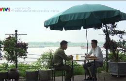 """Sống chung với mẹ chồng - Tập 33: Bị phụ tình, Sơn (Việt Anh) """"cầu cứu"""" bố Vân"""
