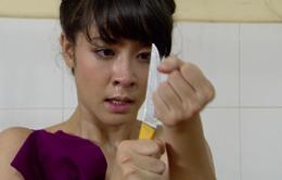 Phim Giao mùa - Tập 15: Tố Loan (Thùy Dương) dọa cắt tay tự tử khi bị Trung (Tiến Lộc) phát hiện vẫn làm gái bao