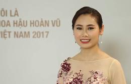 Thí sinh Hoa hậu Hoàn vũ Việt Nam 2017 lỡ miệng nói mình… 59 tuổi khi ăn tối cùng trai đẹp