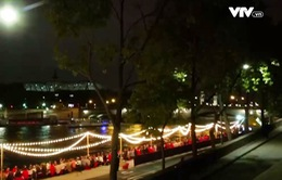 Pháp: Bàn tiệc dài 200m bên bờ sông Seine