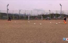 VIDEO: Chiêm ngưỡng Xuân Trường tập sút phạt tại Gangwon FC