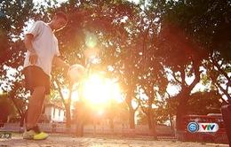 Sắc màu Thể thao: Chân dung Lê Anh Tuấn tâng bóng nghệ thuật