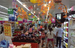 Nhiều siêu thị giảm giá tới 50% cho các hàng hóa dịp lễ 2/9