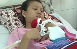 Cứu sống 2 bé sinh non nặng chỉ 800 gr tại Cần Thơ