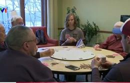 Sinh viên Mỹ trải nghiệm cuộc sống trong nhà dưỡng lão