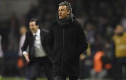 """HLV Barcelona """"cạn lời"""" sau thất bại ê chề trước PSG"""