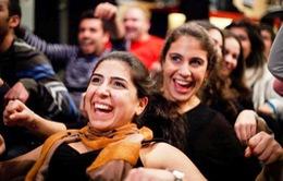 Lớp học yoga cười tại Lebanon