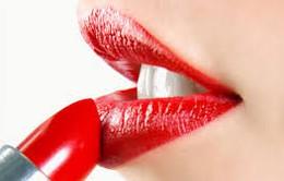 Cần lưu ý những điểm gì để phòng ngộ độc chì do son môi?