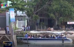 Thành phố Nha Trang trích kinh phí thuê ca nô đưa học sinh qua sông