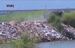 Người dân Phú Yên bức xúc vì lòng sông Ba biến thành bãi đổ phế thải