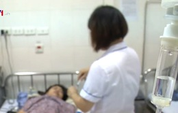Áp lực của nhân viên y tế trước dịch sốt xuất huyết