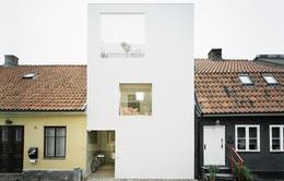 """Ngỡ ngàng với ngôi nhà """"đóng hộp"""" nổi bật ở Thuỵ Điển"""