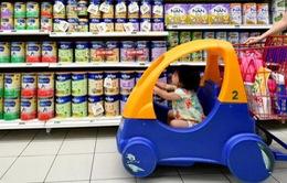 Singapore thắt chặt kiểm soát sữa bột trẻ em
