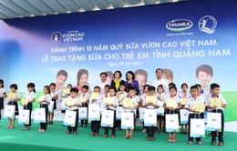 Trao tặng 46.500 ly sữa cho trẻ em Quảng Nam