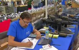 Triển lãm súng Guntoberfes diễn ra bất chấp vụ xả súng tại Las Vegas