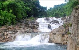 Suối Hoa Lan - Điểm du lịch tuyệt đẹp  tại Khánh Hòa