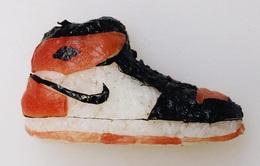 """Sushi độc đáo """"biến hình"""" thành giày dép"""