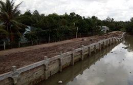 Tiền Giang: Bờ kè sông Bảo Định sụp 9 tháng vẫn chưa được khắc phục