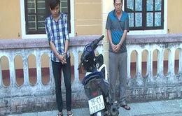 Công an TT - Huế bắt giữ 2 đối tượng cướp giật dây chuyền vàng