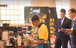 30 thí sinh tham gia cuộc thi pha chế cà phê ở Nha Trang