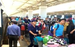 Nhiều người dân tiếp tục trở lại TP.HCM làm việc