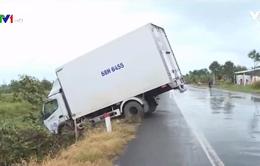 Cần Thơ liên tiếp xảy ra TNGT do đường trơn trượt