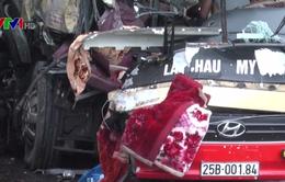 Tai nạn tại cao tốc Nội Bài - Lào Cai, 6 người phải đi cấp cứu