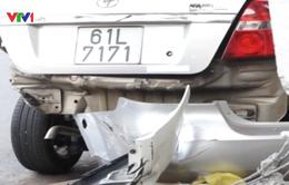 Bình Dương: Xe ô tô gây tai nạn liên hoàn rồi bỏ chạy