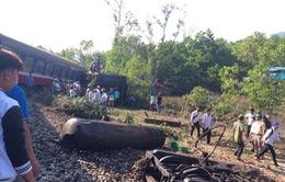 Vụ tàu hỏa đâm xe ben: Nhanh chóng thông đường, chuyển hành khách về ga Huế