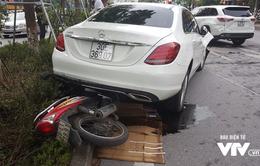 """Xe """"điên"""" gây tai nạn liên hoàn trên phố Xã Đàn"""
