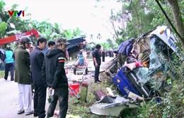 Xe khách va chạm xe cẩu ở Quảng Nam, 2 người tử vong