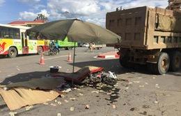 Va chạm với xe tải, 3 người tử vong ở ngã tư Xuân Mai (Hà Nội)