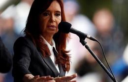 Con của cựu Tổng thống Argentina ra tòa làm chứng mẹ hối lộ và rửa tiền