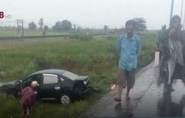 Thừa Thiên - Huế: Ô tô tông 2 xe máy, 2 người tử vong