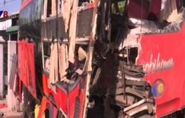 Ba xe khách tông nhau tại Bình Thuận, 3 người tử vong