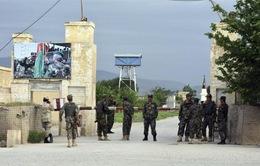 Taliban tấn công căn cứ quân sự Afghanistan, 130 người thiệt mạng