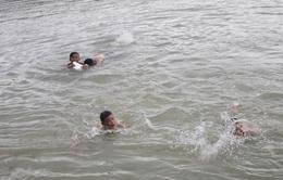 Thái Nguyên: Ba học sinh ngã sông Cầu tử vong