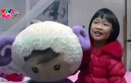 Cô bé 8 tuổi người Trung Quốc vượt 2.000 km về quê ăn Tết