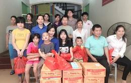 Thanh niên VTV thăm và tặng quà cho trẻ em thiệt thòi