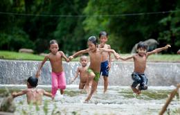 Ký ức dòng sông tuổi thơ của trẻ em nông thôn miền Tây