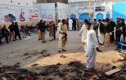 Pakistan tiêu diệt hơn 100 phần tử khủng bố sau vụ đánh bom thánh đường Hồi giáo