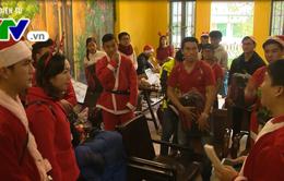 Trao quà Giáng sinh cho 100 trẻ em nghèo tại Đà Nẵng