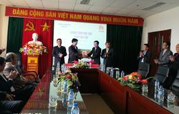 Trao tặng máy tính cho các xã khó khăn của Nghệ An, Lai Châu