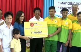 Món quà ý nghĩa của BTC giải xe đạp quốc tế VTV Cúp Tôn Hoa Sen 2017