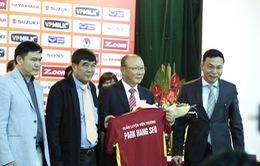 Ông Park Hang Seo chính thức trở thành tân HLV trưởng ĐT Việt Nam và U23 Việt Nam