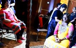 Nạn nhân bị tạt axit tự tin sải bước trên sàn diễn thời trang