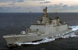 Hai tàu Hải quân Ấn Độ cập Cảng Hải Phòng