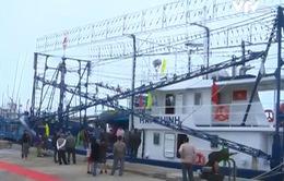 Bàn giao tàu cá vỏ thép đóng theo Nghị định 67 cho ngư dân Phú Yên