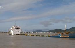 Chưa thể trục vớt tàu chìm trên luồng vào cảng Quy Nhơn